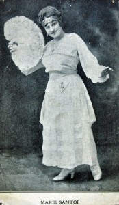 Marie Santoi R